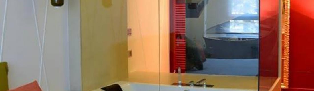Установка ванной в спальне