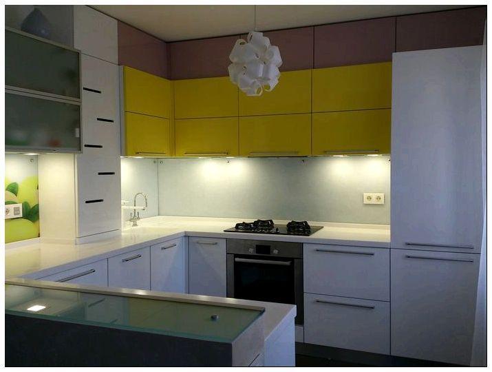 Особенности кухонных фасадов с алюминиевым профилем