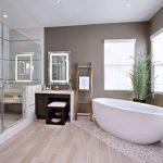Какую ванну выбрать для квартиры