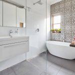 Как выбрать плитку на пол в ванную комнату