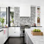 3 самых практичных варианта отделки стен на кухне